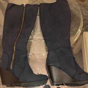 Navy wedge boots